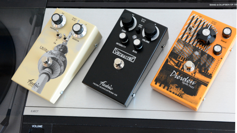<span class='slidehead'>New and improved: new wedges! Top mounted jacks! </span>